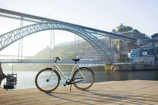 Vanmoof makes industrial style bikes for its latest - Industrial style buro ...