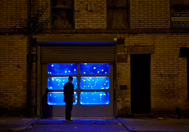 The giant jelly fish art installation in liverpool buro 24 7 for Buro water street