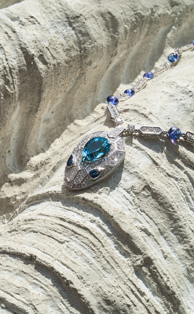 Buro. birthstone: What makes March's aquamarine shine so bright (фото 1)
