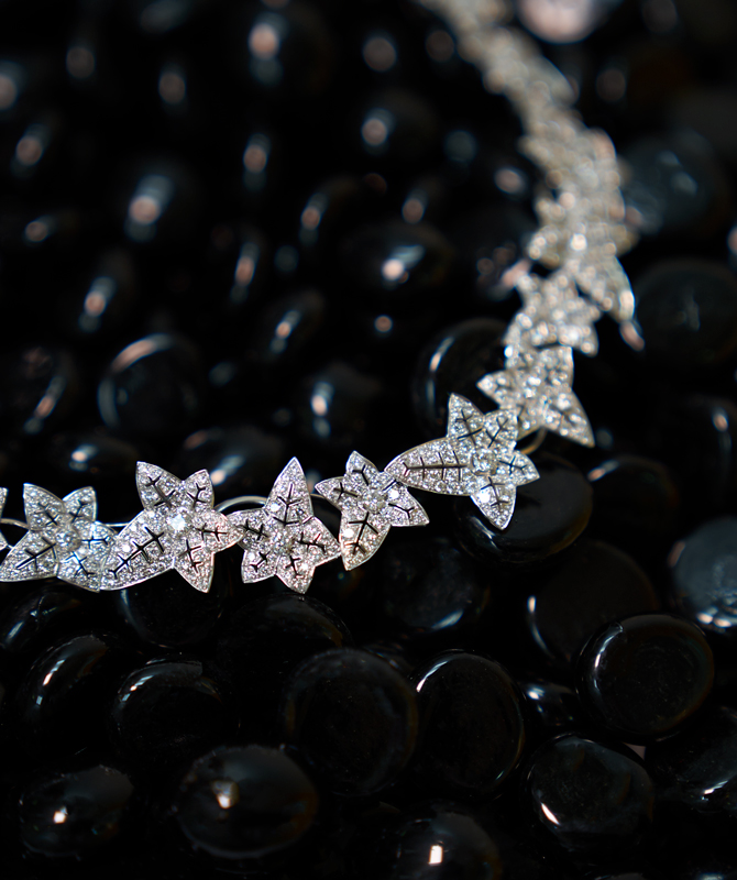 Buro. birthstone: Diamonds are everyone's best friend (фото 2)