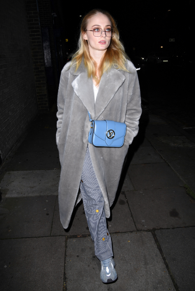 Celebrities are already fronting Louis Vuitton's new LV Pont 9 handbag (фото 2)