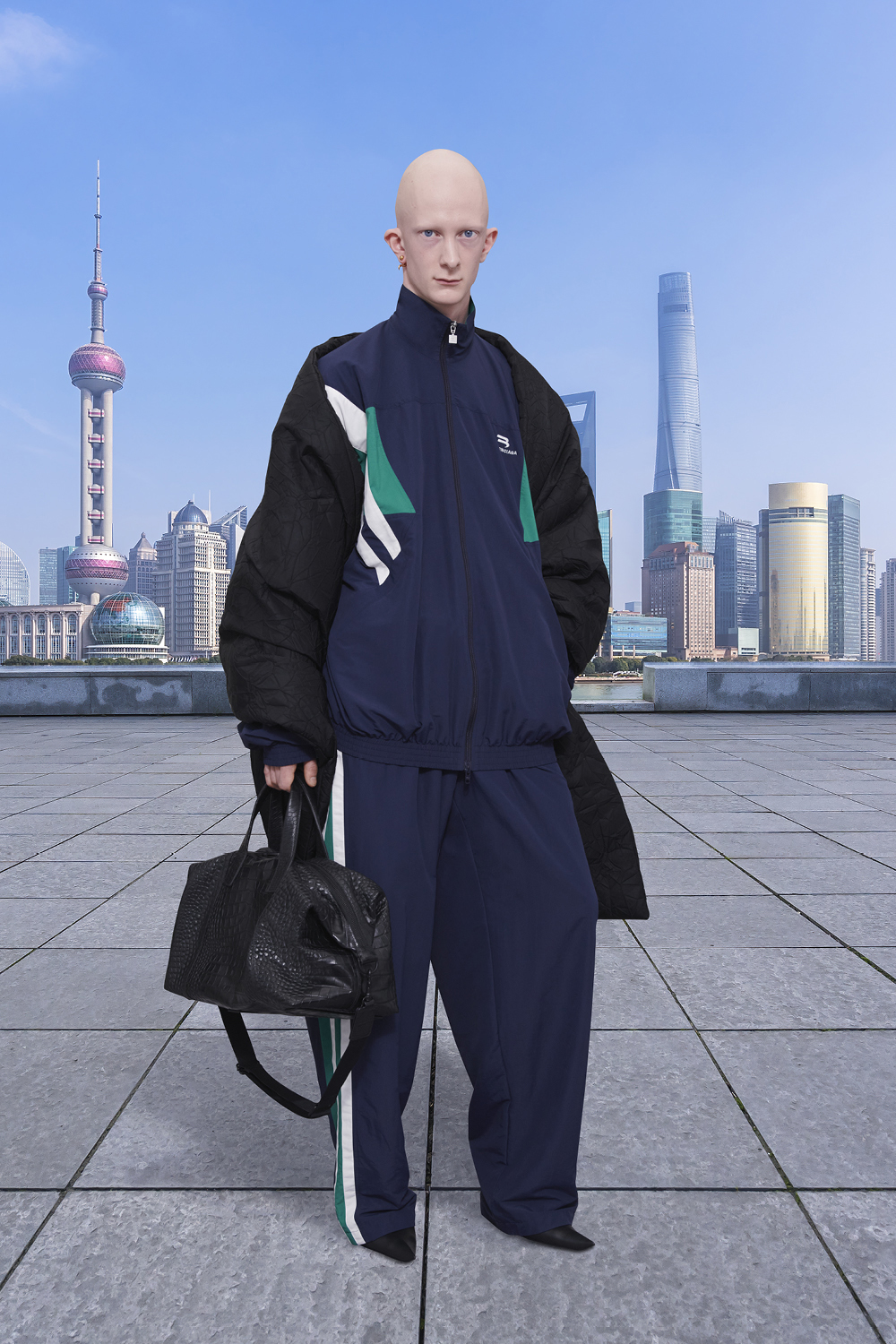 Take a trip around the world with Balenciaga's Winter '21 collection (фото 20)