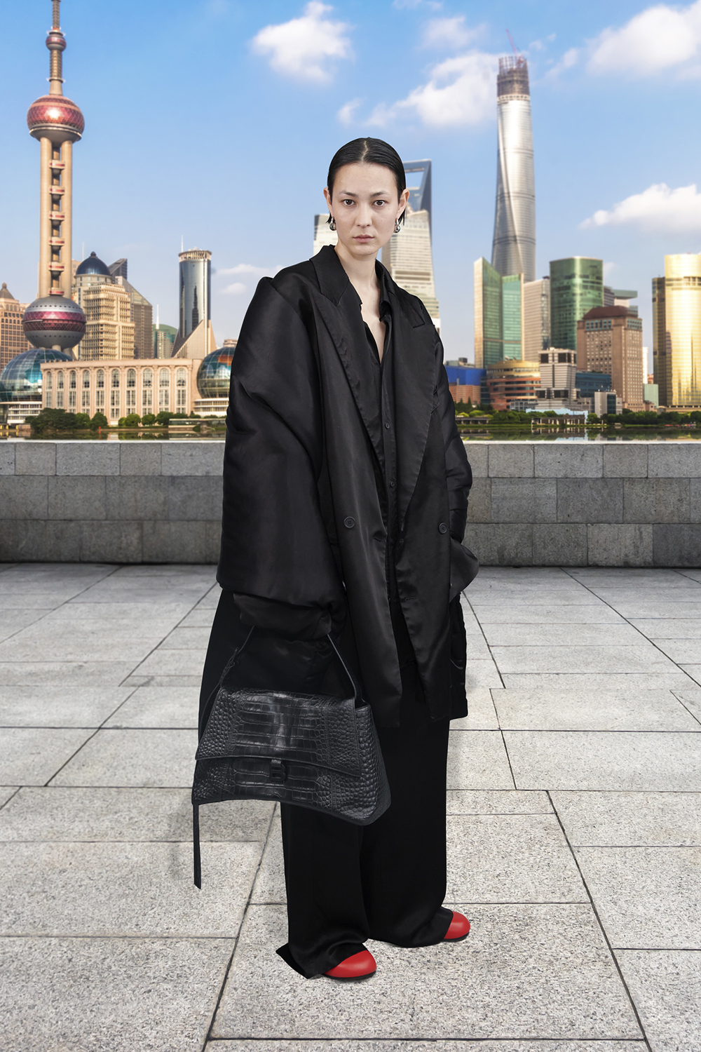 Take a trip around the world with Balenciaga's Winter '21 collection (фото 47)
