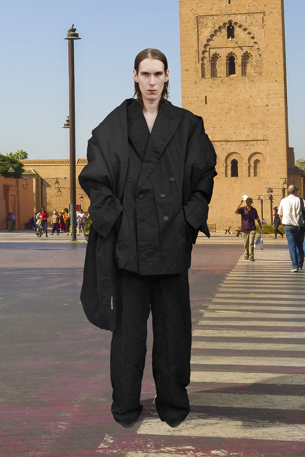 Take a trip around the world with Balenciaga's Winter '21 collection (фото 54)
