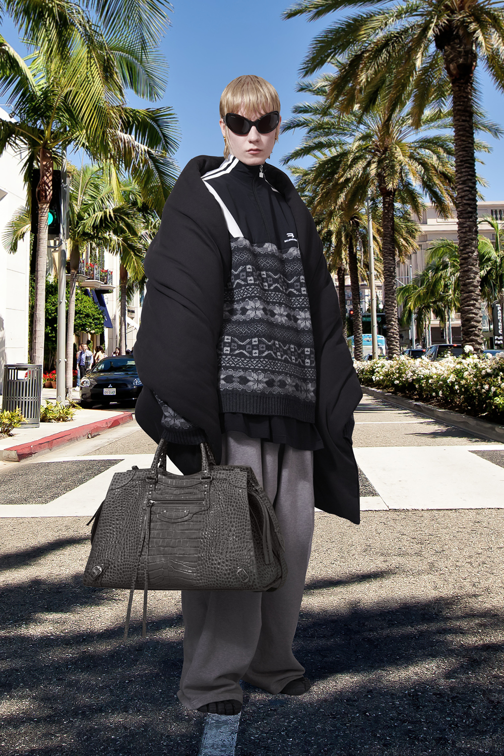 Take a trip around the world with Balenciaga's Winter '21 collection (фото 11)
