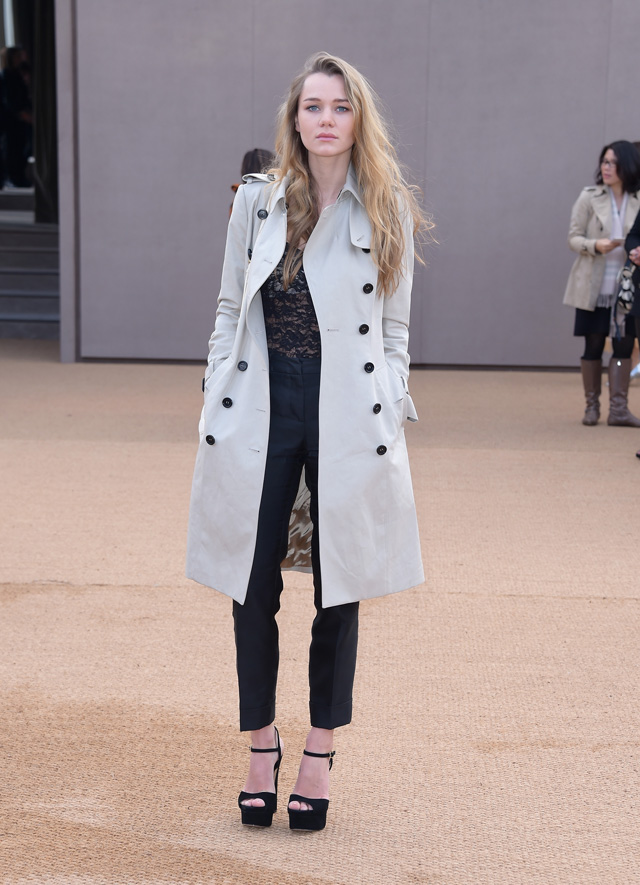 London Fashion Week: The guests at the Burberry Prorsum show (фото 12)