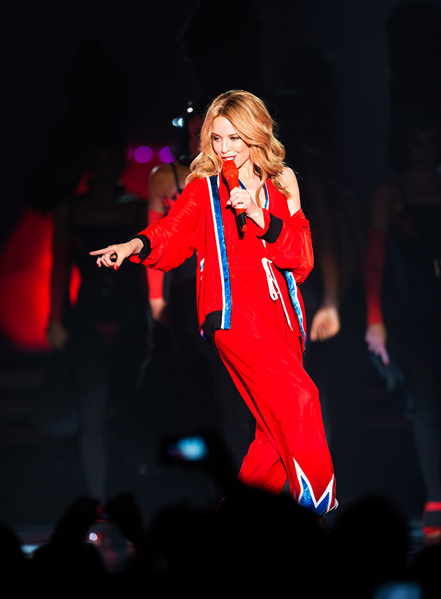 Kylie Minogue performs at the Dubai World Cup 2015
