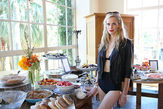 Poppy Delevingne hosts Superdry brunch at Coachella (фото 1)