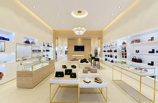 Aigner opens a new boutique in Kuwait (фото 1)