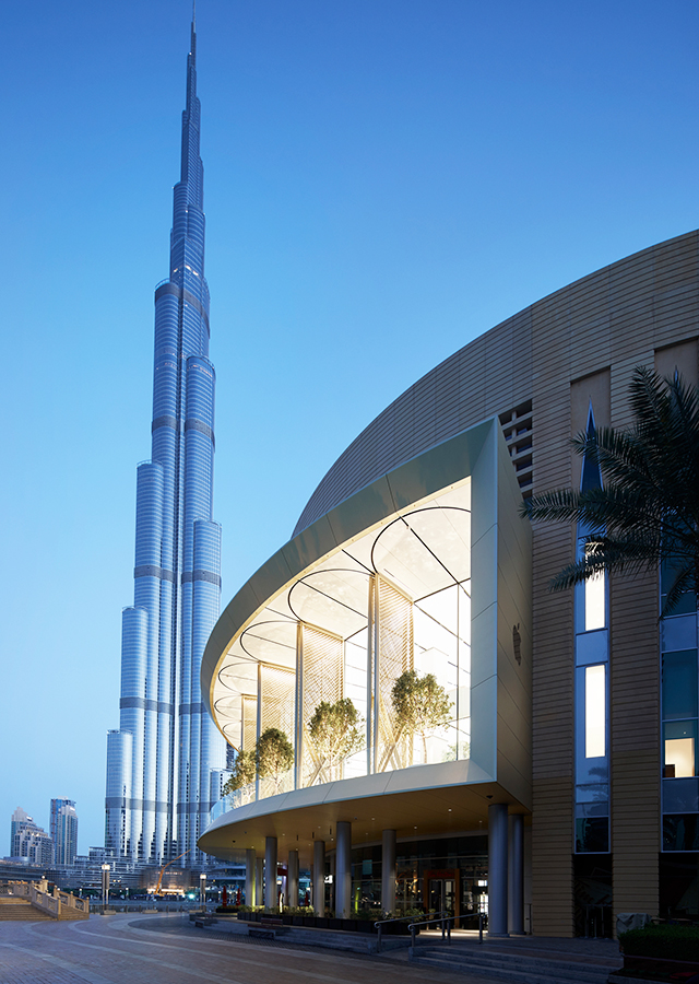 """Every time we open a store we're giving a gift to the community"" – Stefan Behling on Apple, The Dubai Mall"