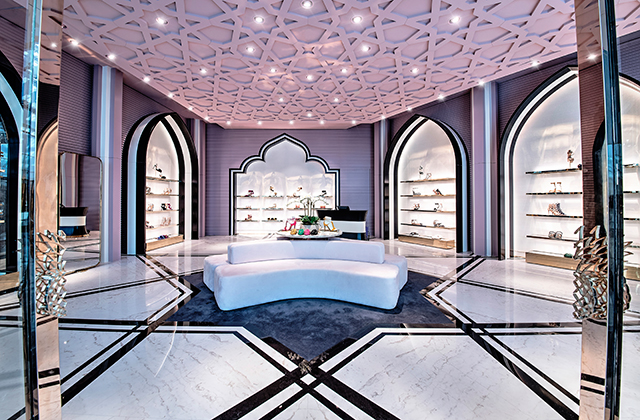 Aquazzura opens its first flagship boutique in the UAE (фото 1)