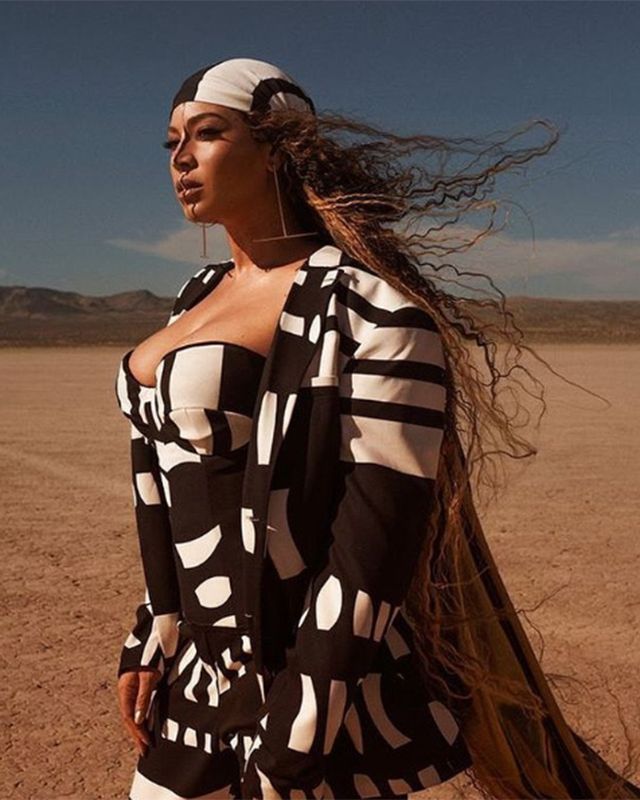 All of the designer outfits from Beyoncé's 'Spirit' music video (фото 8)