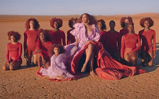 All of the designer outfits from Beyoncé's 'Spirit' music video (фото 1)