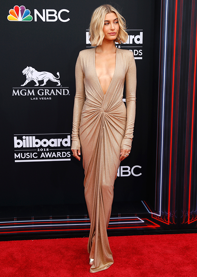 The best red carpet arrivals from the 2018 Billboard Music Awards (фото 1)