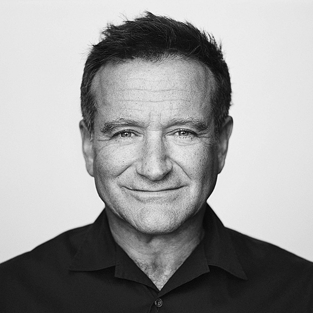 Watch now billy crystal honours friend robin williams at the emmys