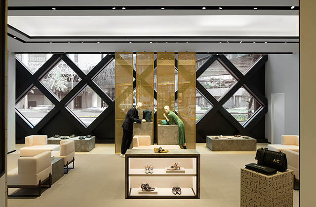Bottega Veneta opens its largest store in the Middle East in The Dubai Mall extension (фото 6)