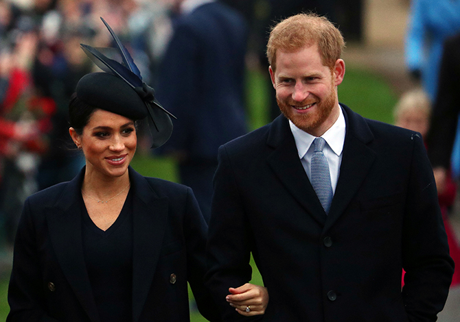 Meghan Markle attends her first Christmas Day Service as Duchess of Sussex (фото 3)