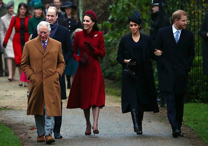 Meghan Markle attends her first Christmas Day Service as Duchess of Sussex (фото 1)