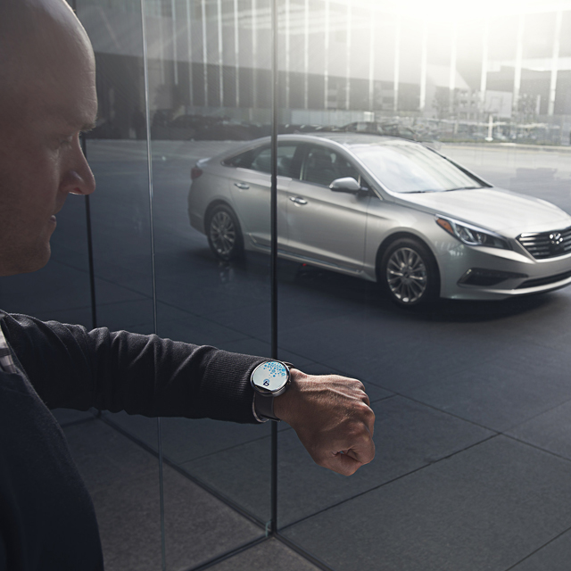 hyundai launches blue link smartwatch app to help control cars remotely buro 24 7. Black Bedroom Furniture Sets. Home Design Ideas