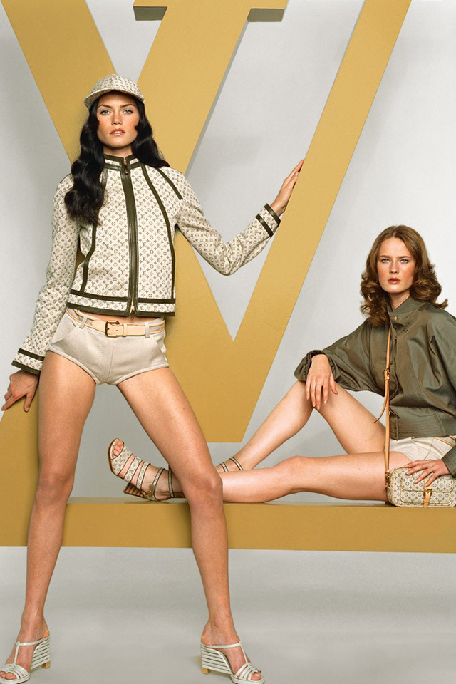 Louis Vuitton to release new 'Fashion Photography' book (фото 1)