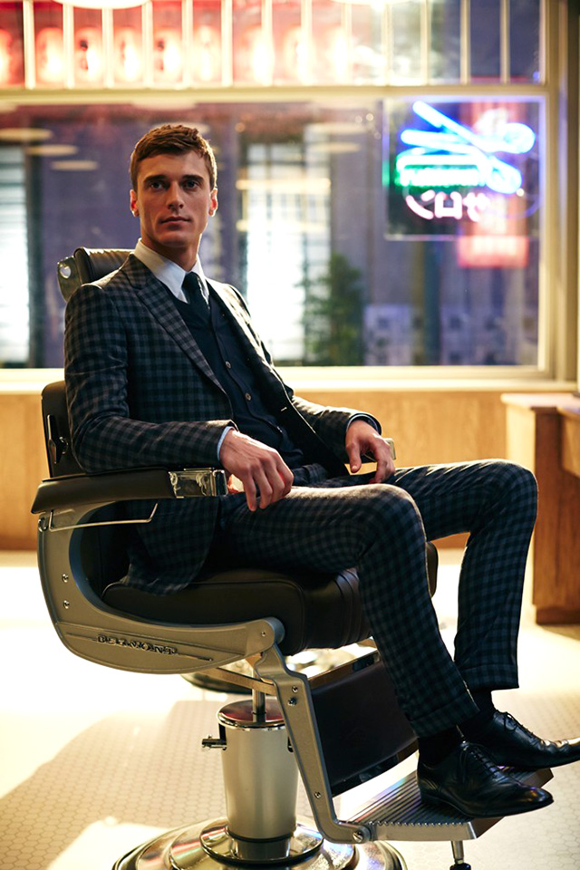 Gucci shines a spotlights on men's tailoring in short film (фото 3)