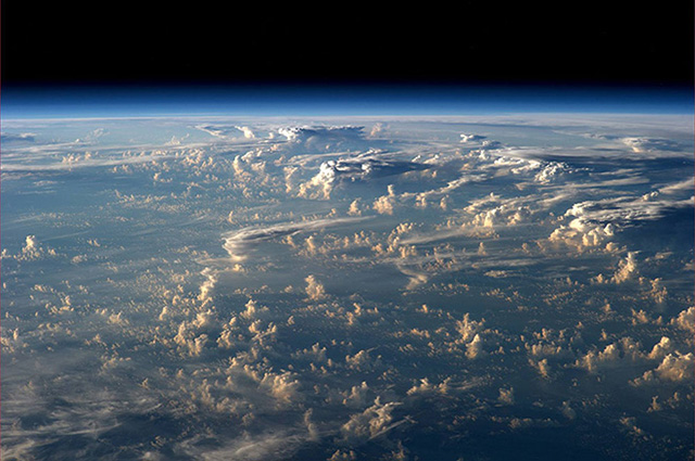 Rare photos of clouds shadows taken from space (фото 3)