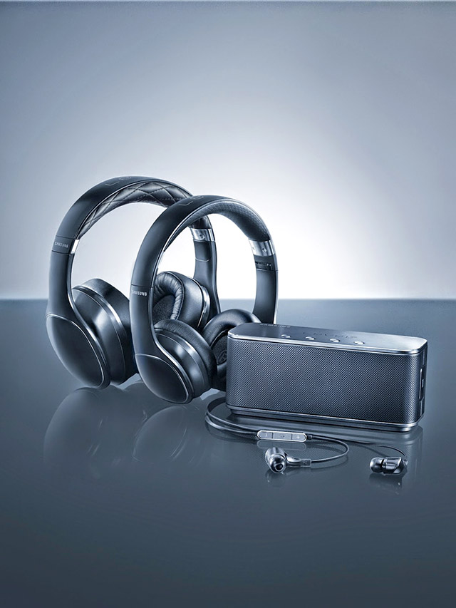 The level over headphones by samsung buro 24 7 for Buro premium