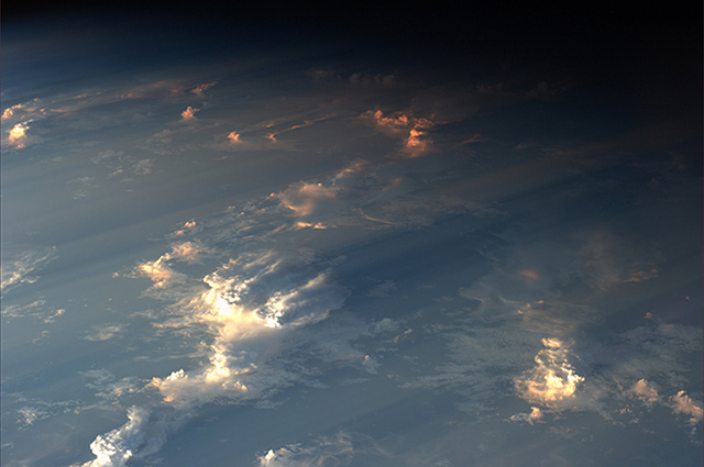 Rare photos of clouds shadows taken from space (фото 6)