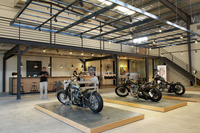 caf rider the custom motorcycle and coffee concept in. Black Bedroom Furniture Sets. Home Design Ideas