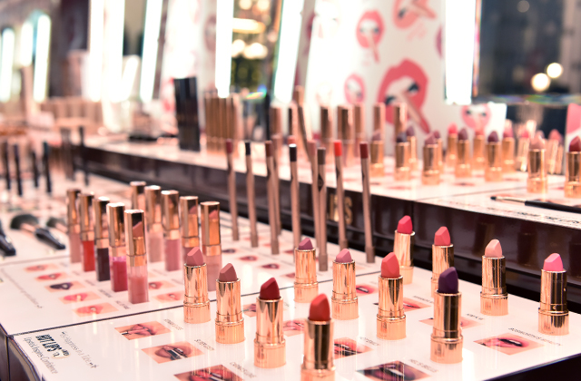 Now open: Charlotte Tilbury launches world's largest store in Kuwait (фото 4)