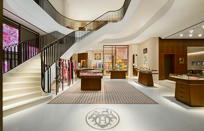 Open now: Hermès strengthens its presence in Kuwait with a new store (фото 1)