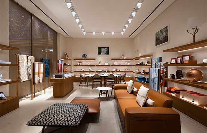 Open now: Hermès strengthens its presence in Kuwait with a new store (фото 5)