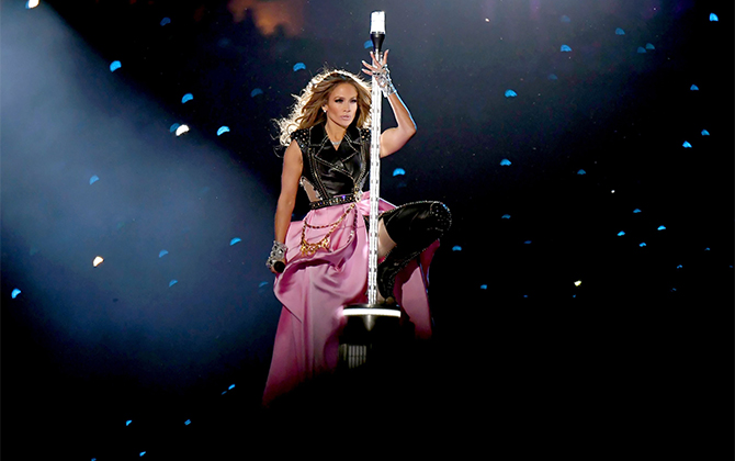 Recreate Jennifer Lopez's Super Bowl beauty look (фото 1)
