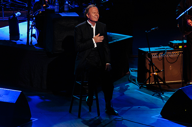 Julio Iglesias in concert