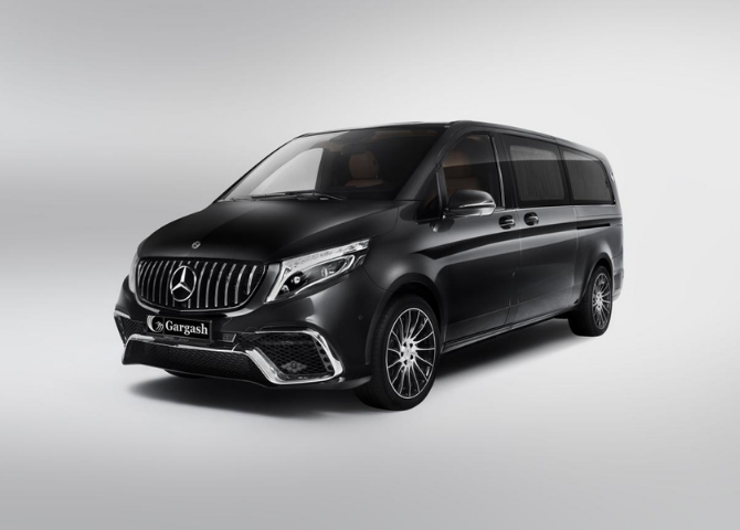There's a new limited edition Mercedes-Benz MPV made exclusively for UAE (фото 1)