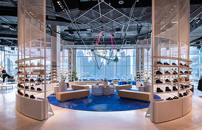 Nike opens its largest store in the Middle East (фото 3)