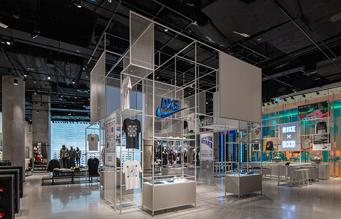 Nike opens its largest store in the Middle East (фото 2)