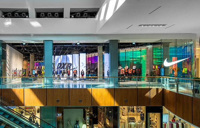 Nike opens its largest store in the Middle East (фото 1)