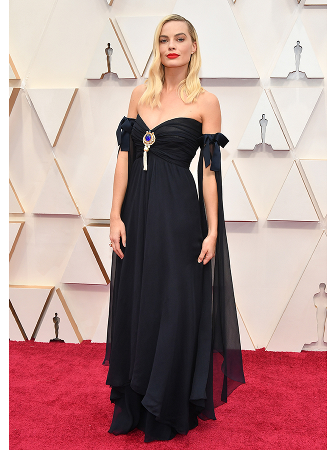 Margot Robbie in vintage Chanel