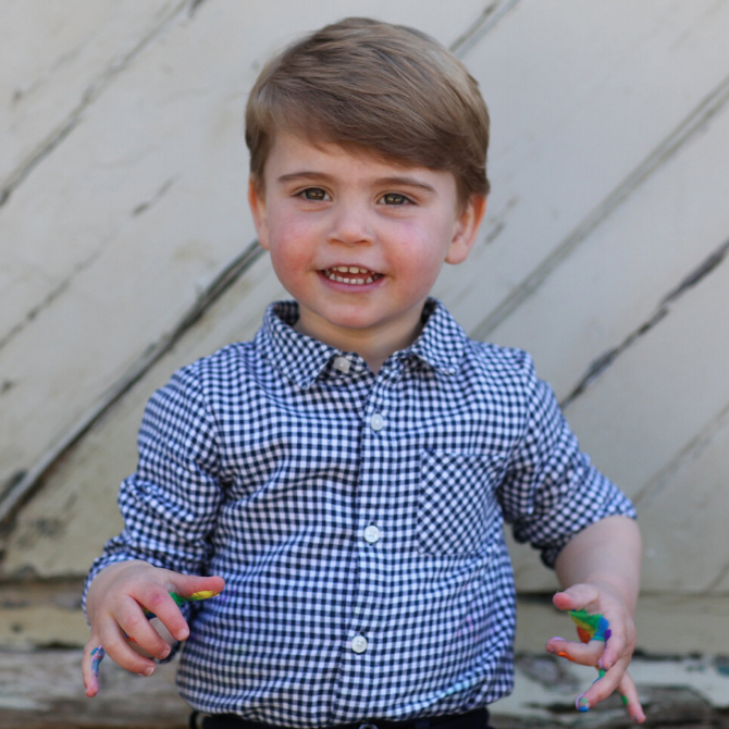 Kate Middleton photographs Prince Louis for birthday portraits (фото 2)