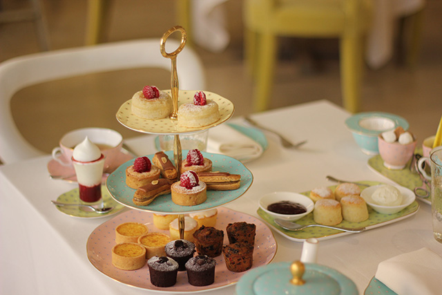 Gary Rhodes Introduces Quintessentially British Afternoon Tea