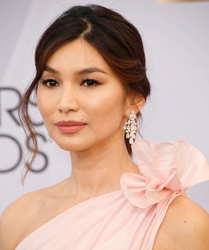 The 2019 Screen Actors Guild Awards: Best beauty looks (фото 5)