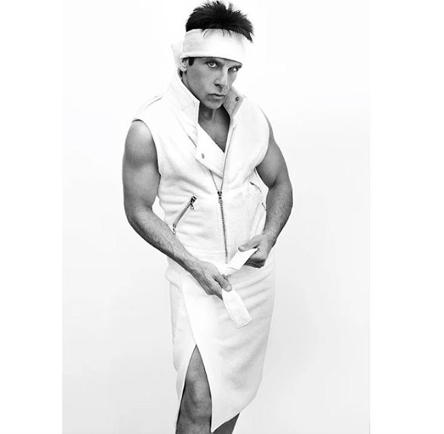 Mario Testino's Towel Series produces 100 portraits (фото 2)