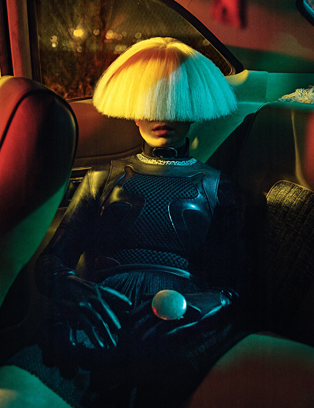 Sia explains why she doesn't show her face (фото 1)