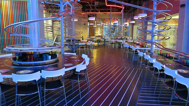 The world 39 s largest roller coaster themed restaurant opens for Buro restaurant
