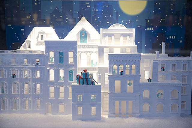 Tiffany & Co Holiday Windows arrive in the Middle East (фото 6)