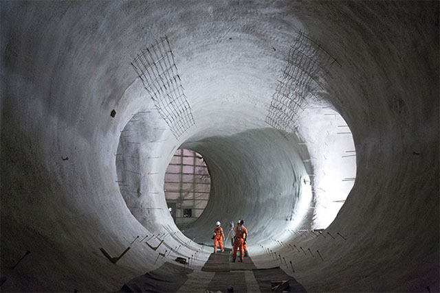 London's ambitious crossrail network project reaches half way mark (фото 2)