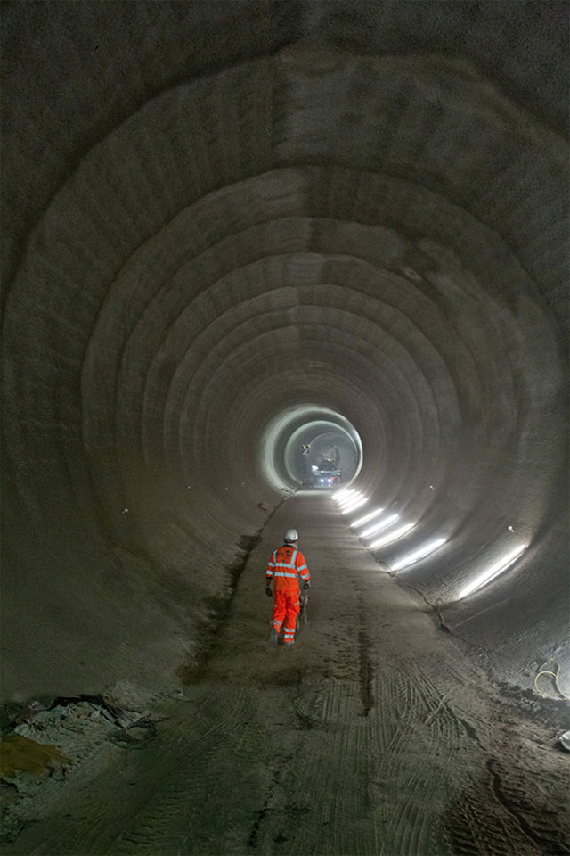 London's ambitious crossrail network project reaches half way mark (фото 7)