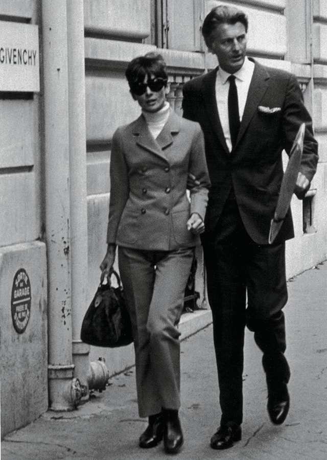 """Their relationship changed the history of fashion"" – Givenchy's biographer Eloy Martinez on Hubert de Givenchy and Audrey Hepburn (фото 1)"