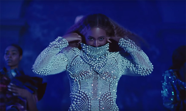 All of the designer outfits from Beyoncé's new film clip (фото 7)